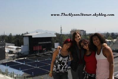 Alyson Stoner durant la tournée JonasBrothers / Demi Lovato & Camp Rock Cast