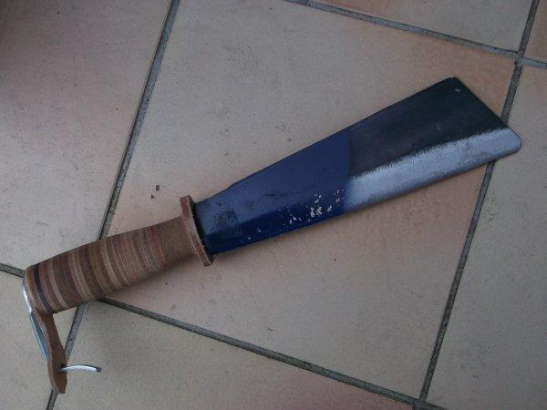 """Couteau de camp """"maison"""""""