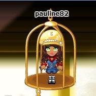 Pauline dans sa cage