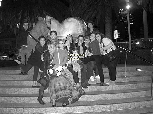 """-  Nouveautés de la semaine du 2 au 9 Juillet. - Dianna marque sur son twitter : """" Au lit pour la 20ieme fois aujourd'hui."""" On peut constater, qu'elle est effectivement malade. A propos du Glee 2011 elle dit : """"Ceci marque la fin du Glee Live Tour 2011. Je ne peut pas croire combien de souvenirs nous avons à chaque endroit (sur tout en si peut de temps !), Et les gens que nous connaissont. Une fois encore, nous rentrons avec le sentiment étonnés de la réponse et le nombre de personnes qui ont été a chacun de shows. Nous sommes très reconnaissant..""""   -"""