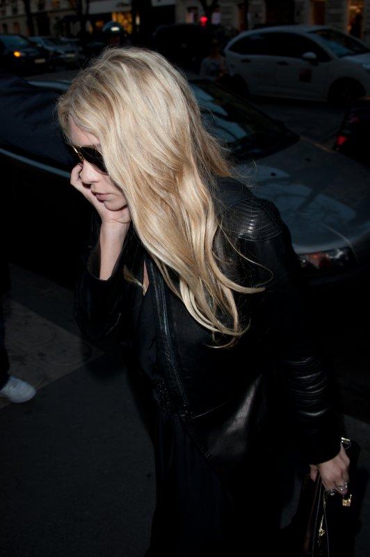 Ashley arrivant chez Montaigne Market à Paris le jeudi 29 septembre 2011