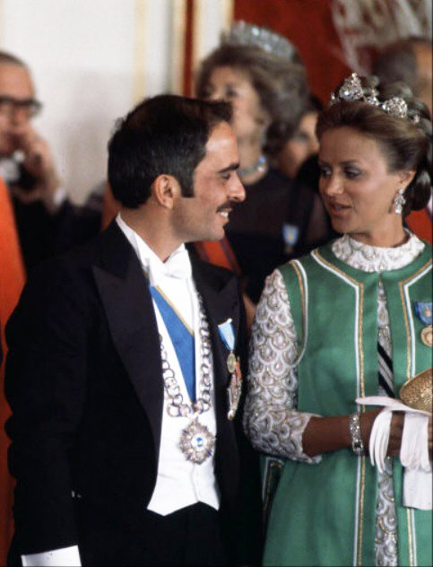 Photos d'archive: La princesse Muna al-Hussein
