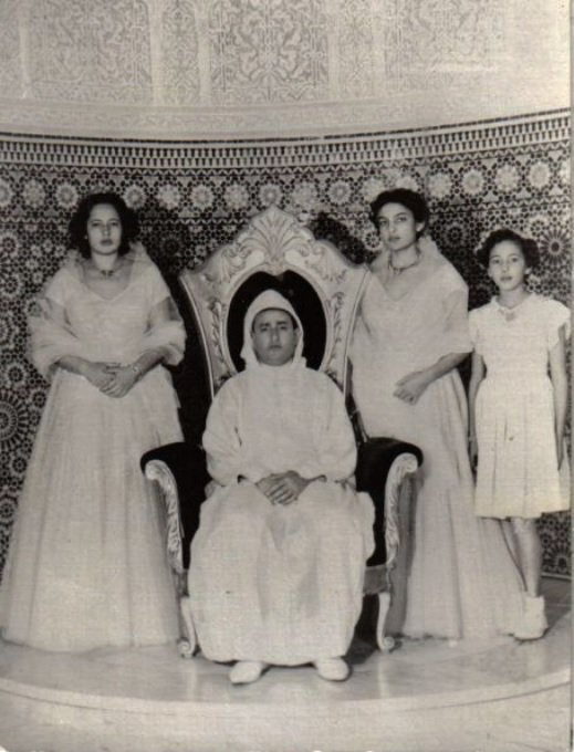 photos d 39 archive 2 princesses du maroc photos d 39 archive de la famille royale marocaine. Black Bedroom Furniture Sets. Home Design Ideas