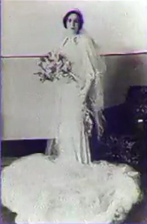 Rare photo de la reine Zein lors de son mariage au roi Talal