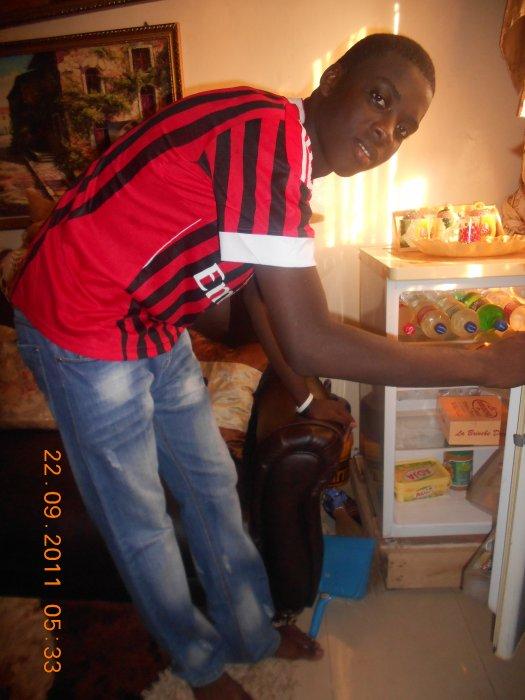 Super Massamba : Je s8 Noir Beau & Fier . L'homme au coeur grand comme le monde ...