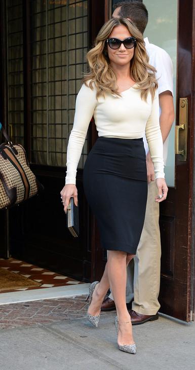 """Jennifer était invitée sur le plateau du """"Katie Couric Show"""" le 12.09.2012"""