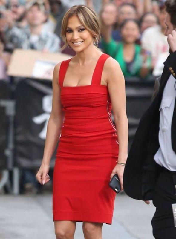 Jennifer arrivant au Jimmy Kimmel Live