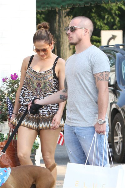 Jennifer avec sa famille dans les Hamptons le 05.07.2015