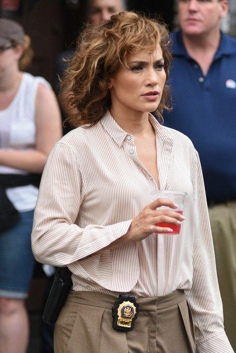 """Jen' sur le set de """"Shades Of Blue"""" le 30.07.2015"""
