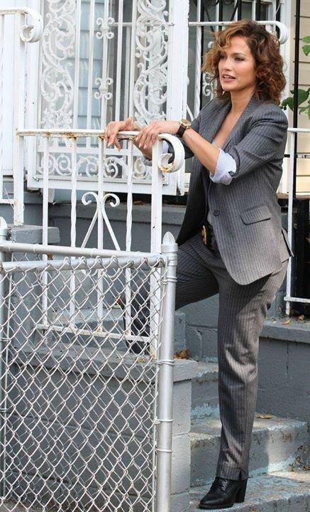 """Jen' sur le set de """"Shades Of Blue"""" le 29.07.2015"""