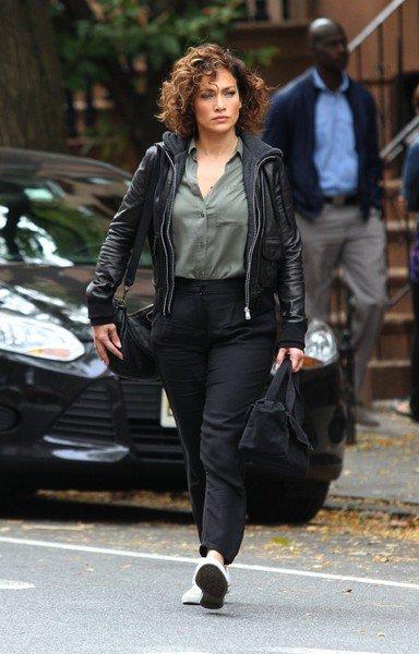 """Jennifer sur le set de """"Shades Of Blue"""" le 12.10.2015"""