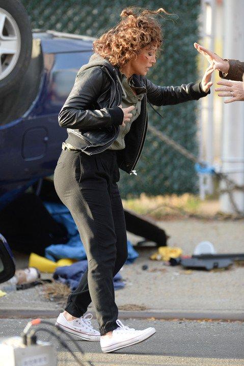 """J.Lo sur le set de """"Shades Of Blue"""" avec Ray Liotta le 29.10.2015"""