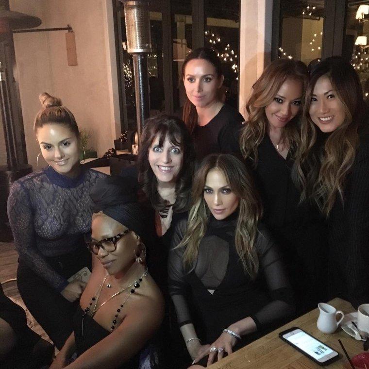 Photos posté sur instagram le 07.04.2016 par l'entourage de J.Lo pour l'anniversaire de Casper Smart