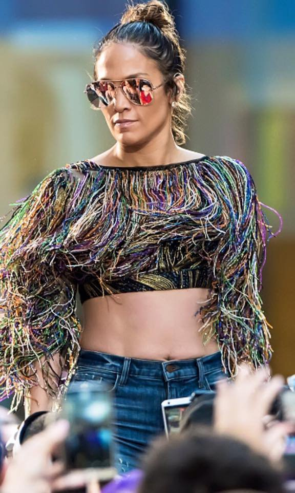 Jennifer Lopez - Rehearshals pour le Today Show (11.07.2016)