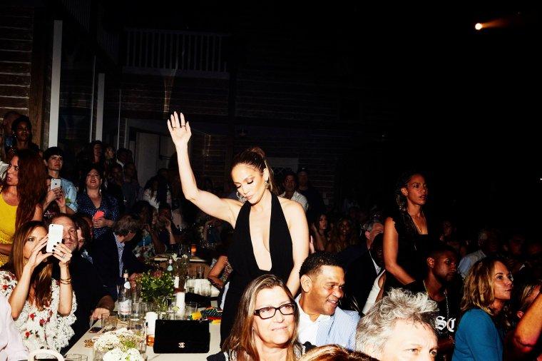 Jennifer dans les Hamptons le 20.08.2016