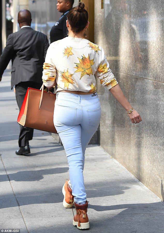 """Jennifer quittant """"Bonpoint"""" à New York le 27.08.2016"""