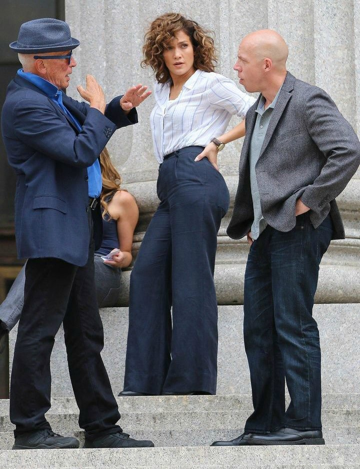"Jennifer sur le set de ""Shades Of Blue"" le 07.09.2016"