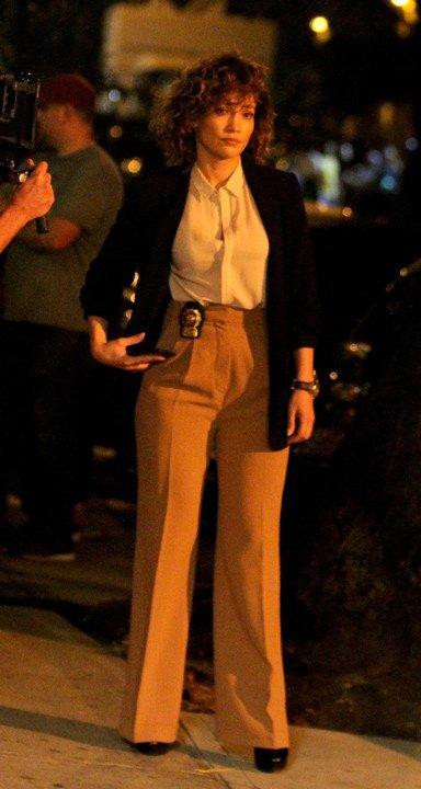 """Jen' sur le set de """"Shades Of Blue"""" le 23.09.2016"""