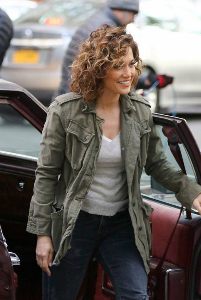 "Jen' sur le set de ""Shades Of Blue"" le 26.10.2016"