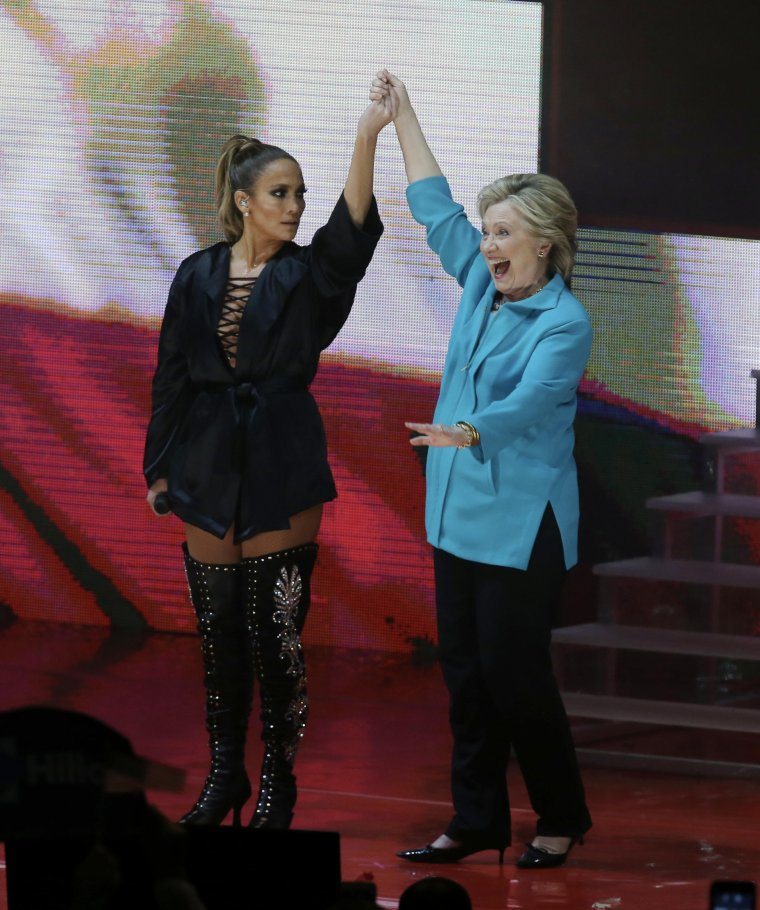 Jennifer le 29.10.2016 performant pour soutenir la campagne de Hilary Clinton
