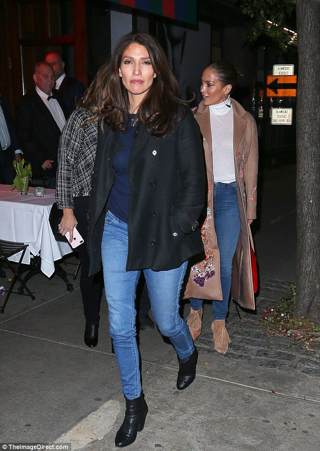 Jennifer à New York le 06.11.2016 avec sa soeur Lynda