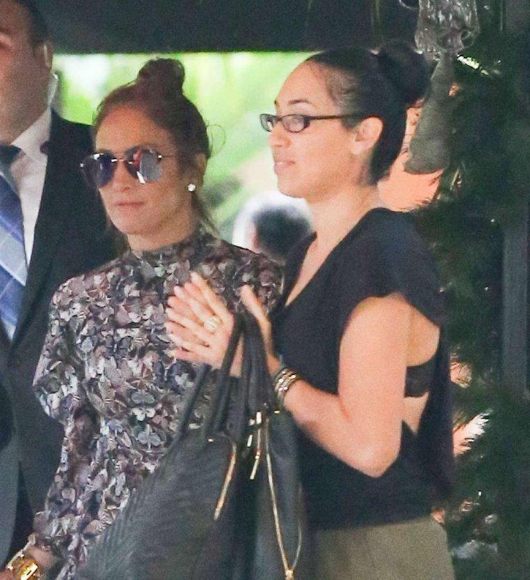 """Jennifer et sa fille Emme au """"Bel Air Hotel"""" à Los Angeles le 29.12.2016"""