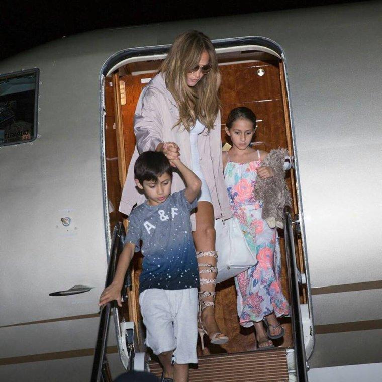 Jennifer et ses jumeaux arrivant en République Dominicaine le 09.04.2017
