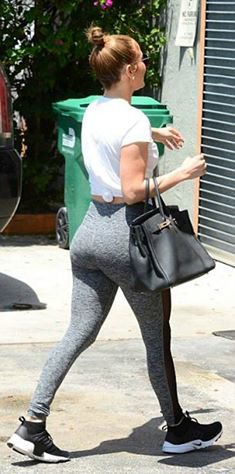 Jennifer à la gym le 20.04.2017
