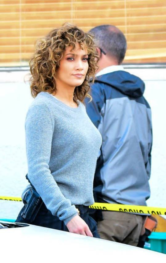 "Jennifer sur le set de ""Shades Of Blue"" le 11.05.2017"
