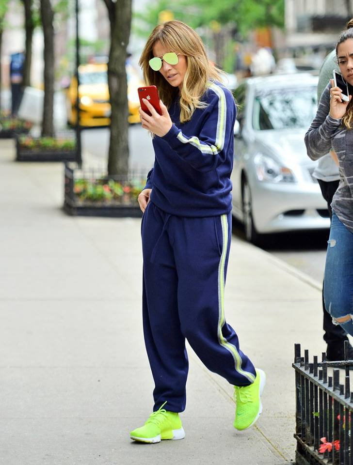 Jennifer faisant du shopping à New York le 22.05.2017