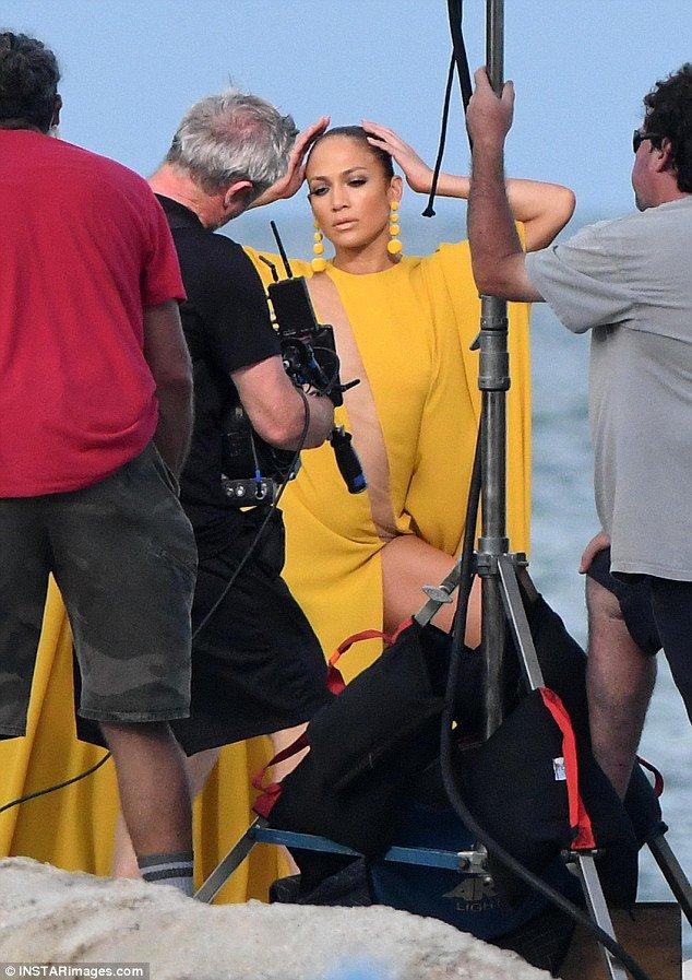 """Jennifer sur le set de """"Ni Tu Ni Yo"""" le 13.06.2017"""