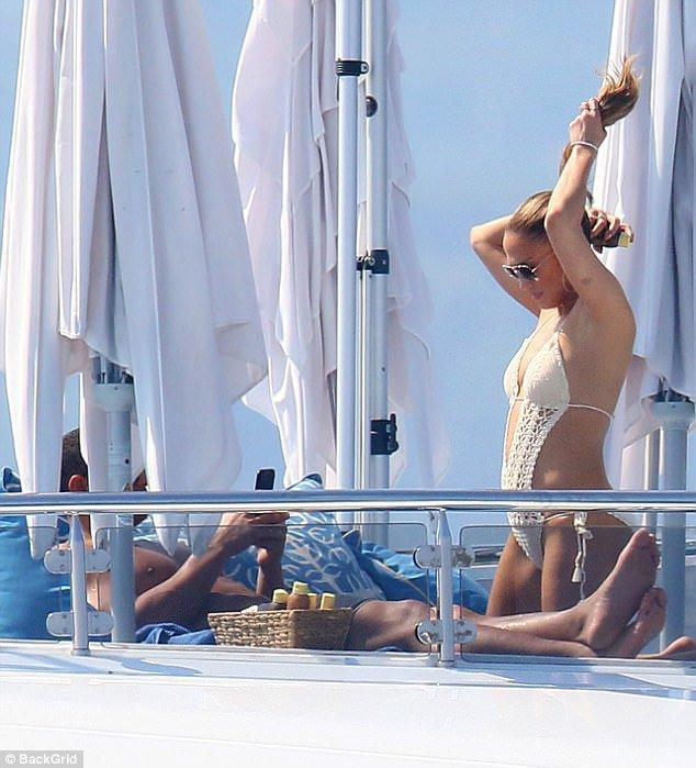 Jennifer et Alex Rodriguez en vacances en Italie le 16.06.2017