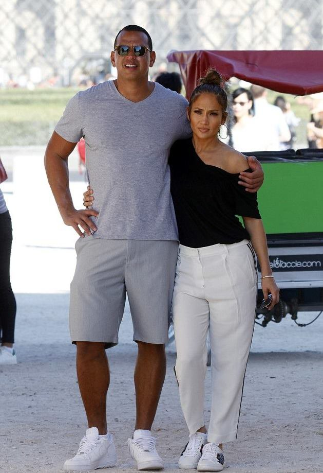 Jennifer & Alex Rodriguez à Paris le 18.06.2017