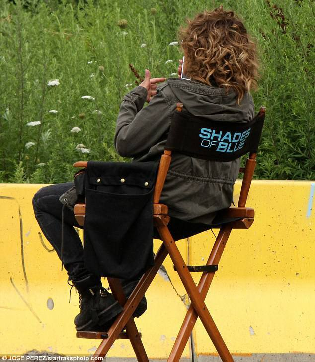 "Jennifer sur le set de ""Shades Of Blue"" le 26.07.2017"