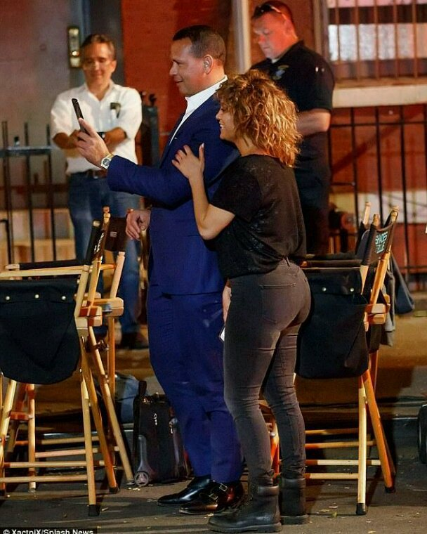 "Jennifer & Alex sur le set de ""Shades Of Blue"" le 13.08.2017"