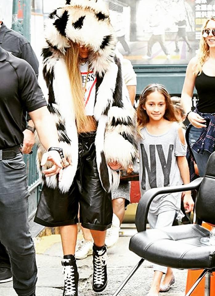 """Jennifer sur le set du clip """"Amor Amor Amor"""" à New York le 31.08.2017"""