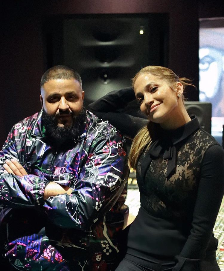 Jennifer travaillant sur une nouvelle chanson avec DJ Khaled le 21.12.2017
