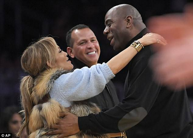 Jennifer et sa famille à un match des Lakers à Los Angeles le 05.01.2018