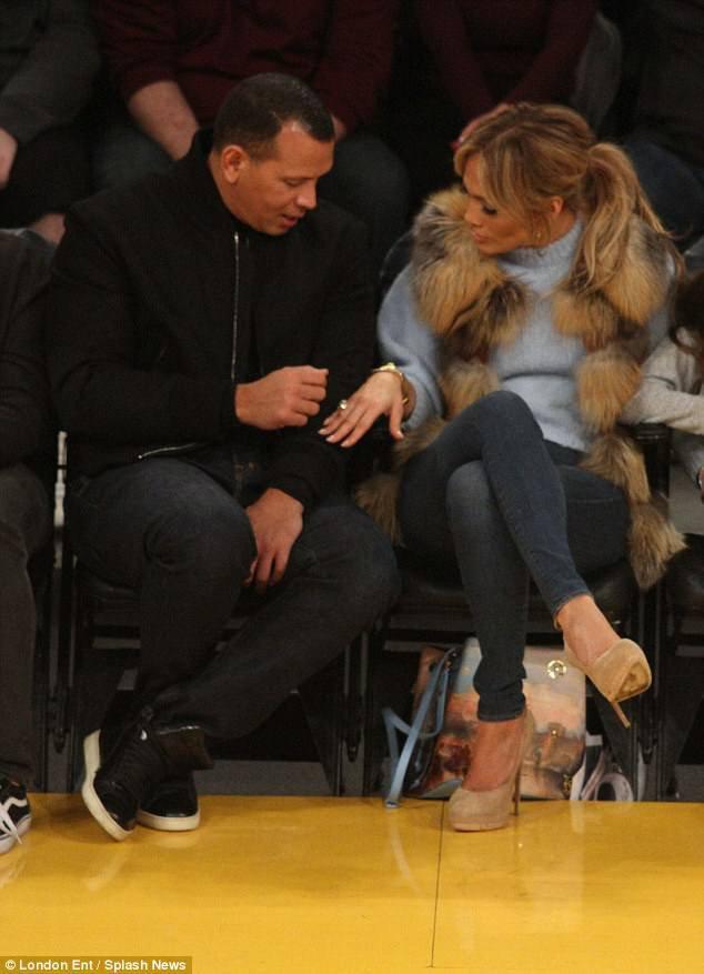 Jennifer et sa famille à un match des Lakers à Los Angeles le 05.01.2018