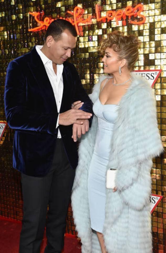 J.Lo & Alex à la campagne de GUESS printemps 2018 le 31.01.2018