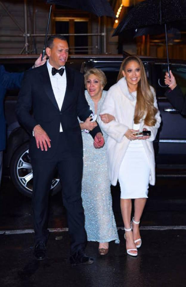 """Jennifer & Alex arrivant à """" the Polo Bar"""" le 24.04.2018 à New York"""