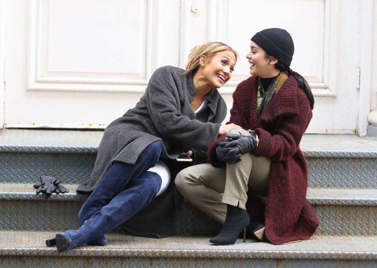 """Jennifer & Vanessa Hudgens sur le set de """"Second Act"""" le 06.05.2018"""