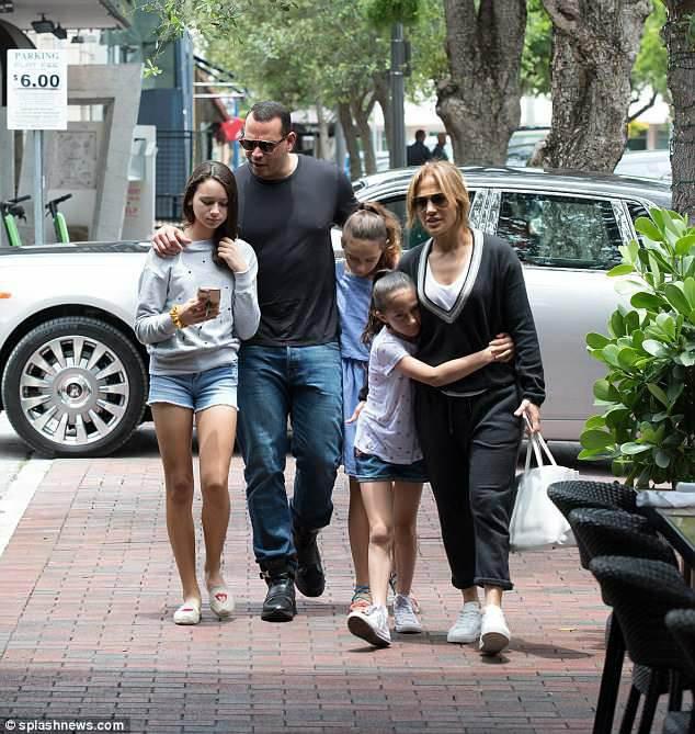 Jennifer et sa famille à Miami le 13.06.2018