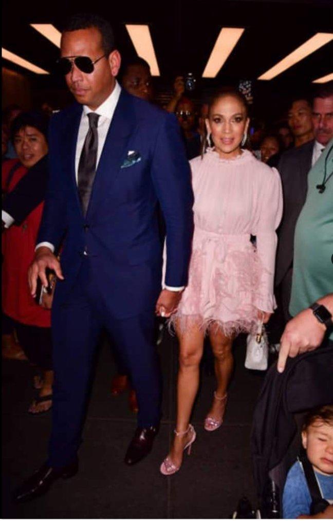 """Jennifer & Alex arrivant sur le plateau de """"Jimmy Fallon"""" le 16.08.2018"""