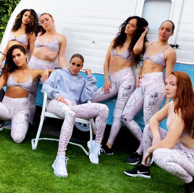 "Collection Jennifer Lopez pour ""Niyamasol"""