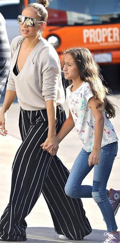 Jennifer & ses jumeaux à New York le 20.10.2018