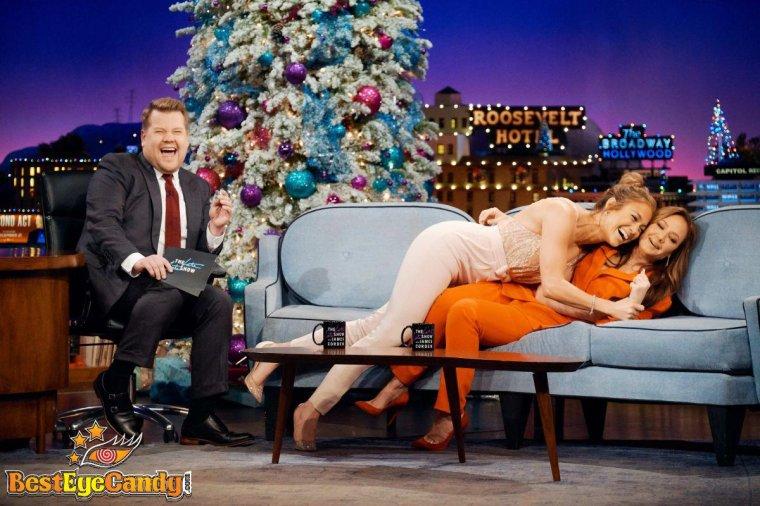 Jennifer Lopez & Leah Remini sur le plateau de James Corden
