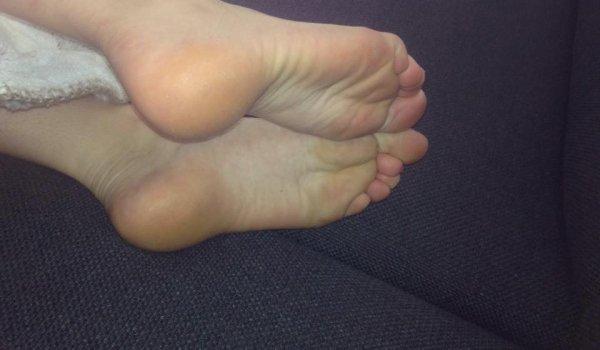 """les pieds de nessia encore j""""adore"""