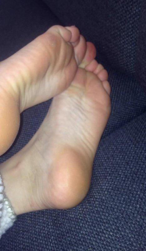 ces pieds encore a nessia