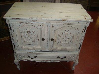 meuble tv ou bar a vendre au vermoulu vendu blog de decapagepatine. Black Bedroom Furniture Sets. Home Design Ideas